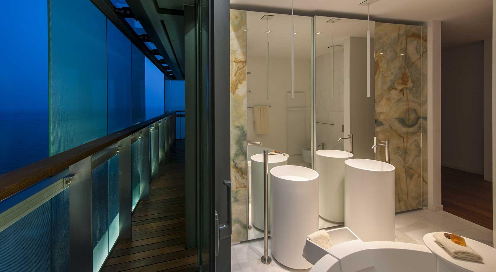 Progetto d interni arredo bagno in corian progetto residenziale